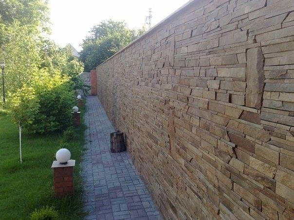 Finalizarea gard cu piatra naturala