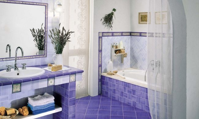 Cum de a decora peretii din baie?