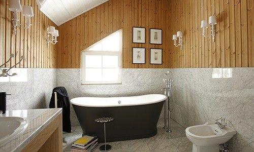 Как выполнить отделку ванной комнаты деревом