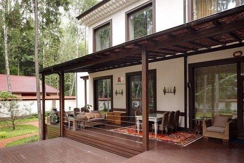 Пристроенная веранда – необходимый атрибут частного дома