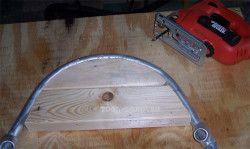 Exemplu de mână de lemn tub bender