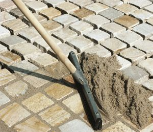 Укладываем тротуарную плитку сами